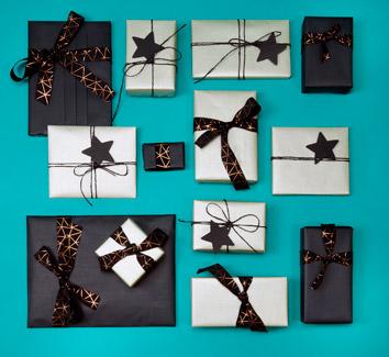 Geschenke-Verpacken-Silber-Schwarz-2019