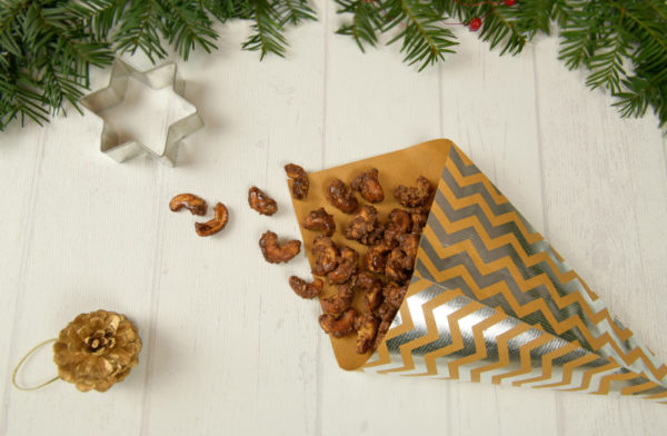 DIY-Gebrannte-Cashews in Papiertüte
