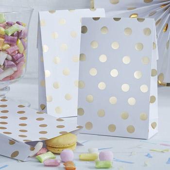 Papiertaschen-Goldtupfen