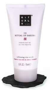 The Ritual of Sakura Shower Scrub